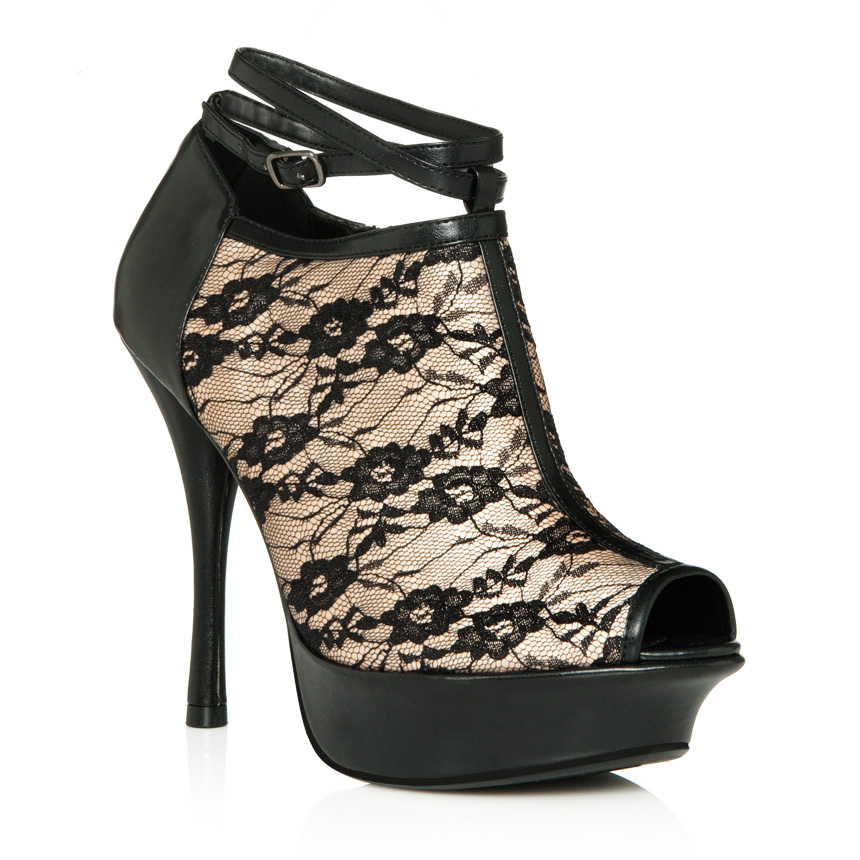 JustFab. is a wildly popular online retailer, offering VIP members exclusive access to the hottest fashion trends in shoes, denim, handbags, and accessories at reasonable prices.
