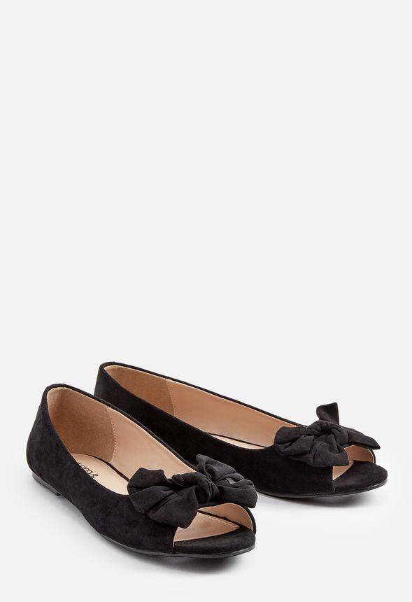Darcia Flat in Black - Get great deals