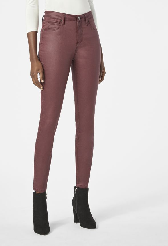 Coated Highwaisted Signature Skinny Jeans in OXBLOOD - Get